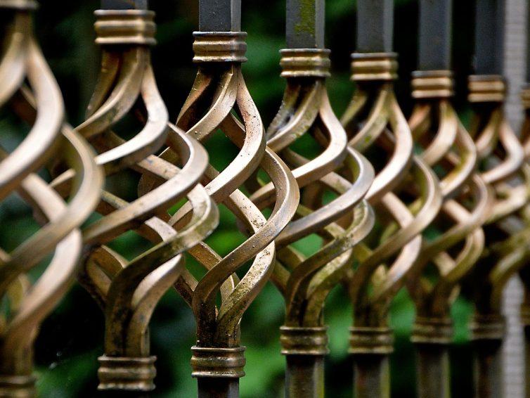 Le fer forgé : l'élégance et le raffinement pour vos portails